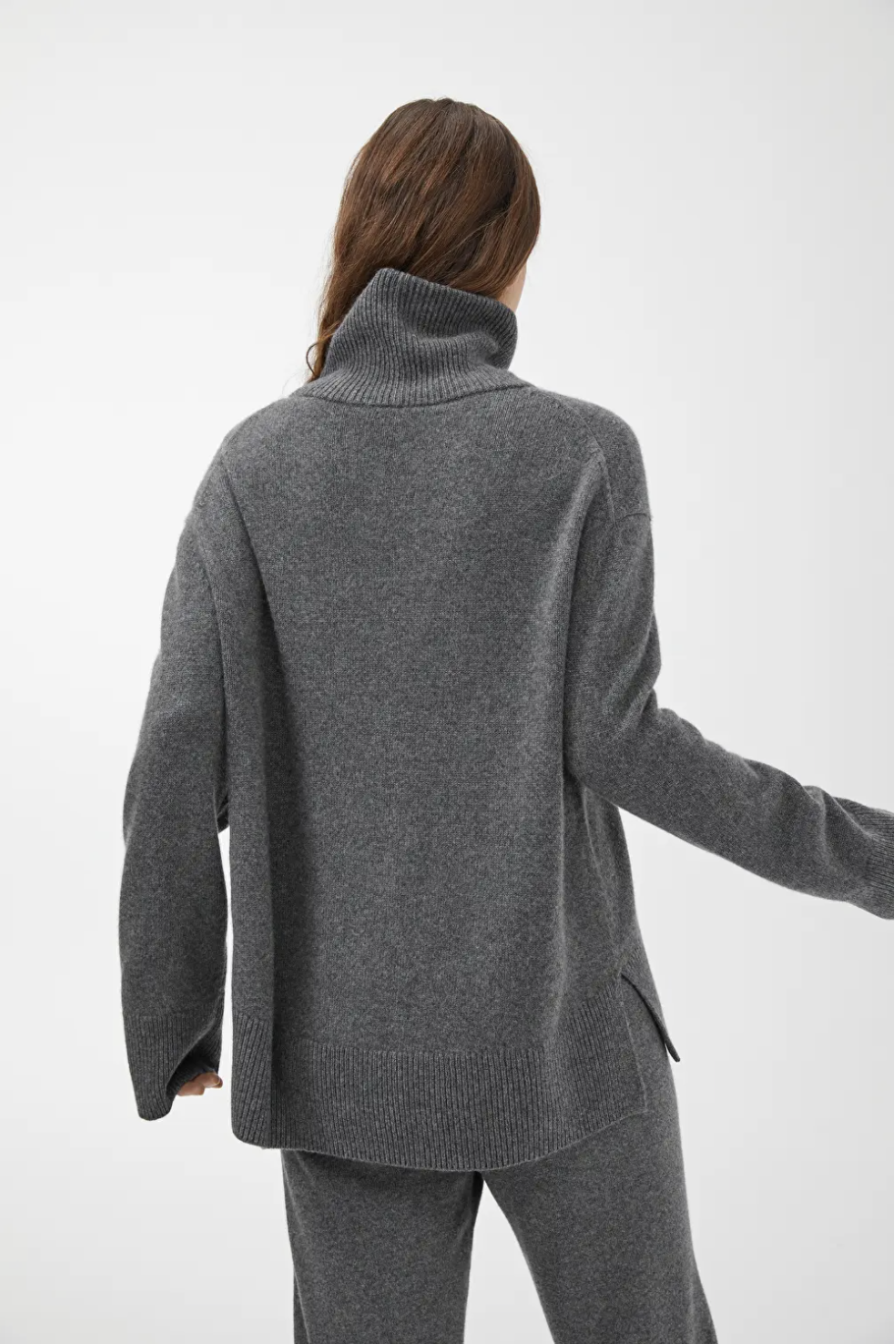 Arket relaxed cashmere rollneck